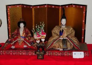 京都の雛人形は雄雛が左なんです。