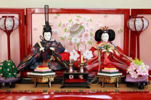 関東の雛人形は雄雛が右なんです。
