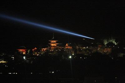 清水寺の慈悲の光はとても美しいものです