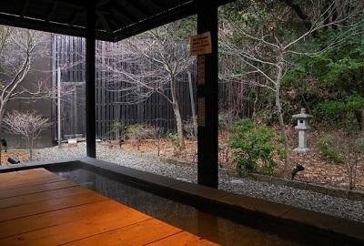昭和銭湯里山の湯は高速道路直結のお風呂です