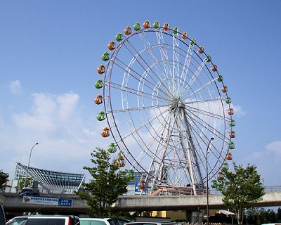 川島PAの観覧車はパーキングから乗れます。