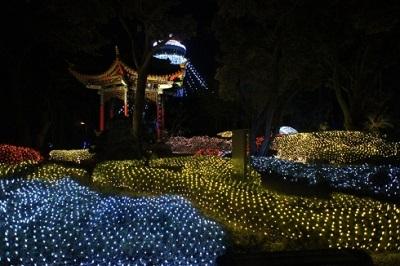 江の島湘南の宝石サムエル・コッキング苑内昆明広場