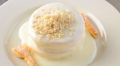 マカダミアナッツソースのパンケーキ